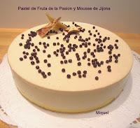 Pastel de fruta de la pasión y mousse de Jijona