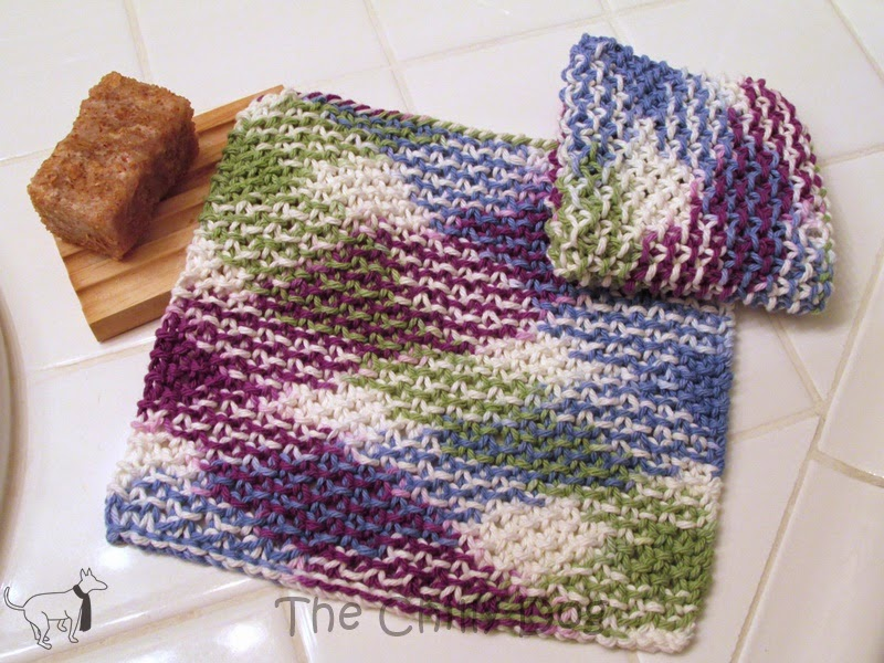 Free Pattern: Learn how to knit a basic cotton washcloth using moss stitch.