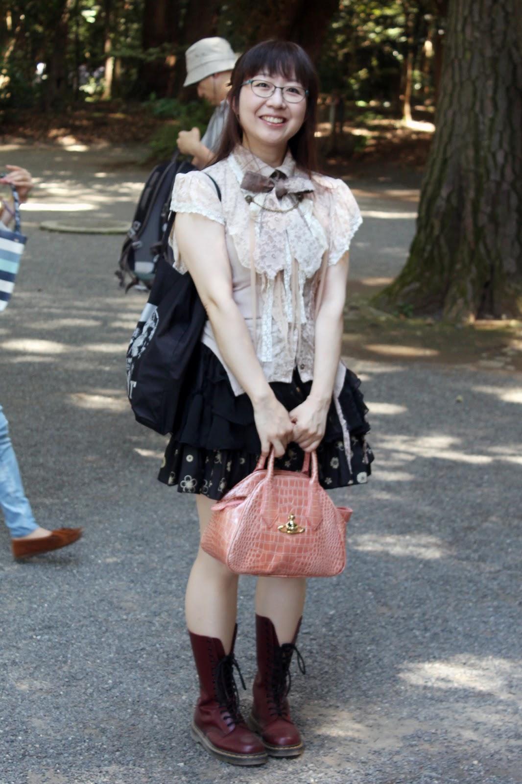 Victoriana Lolita subculture style, Harajuku style, Tokyo streetstyle