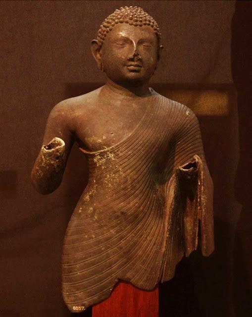 Foto Arca Buddha Perunggu yang ditemukan di Desa Sikendeng, Mamuju, Sulawesi Barat