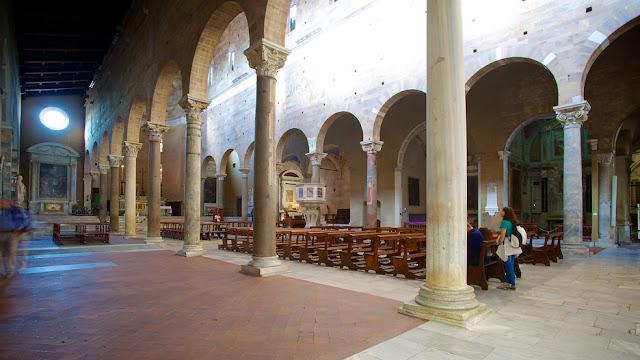 Interior da Basílica de São Frediano