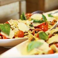 Fresh Garden Salad, Garlic Ranch and Blue Cheese Dressing