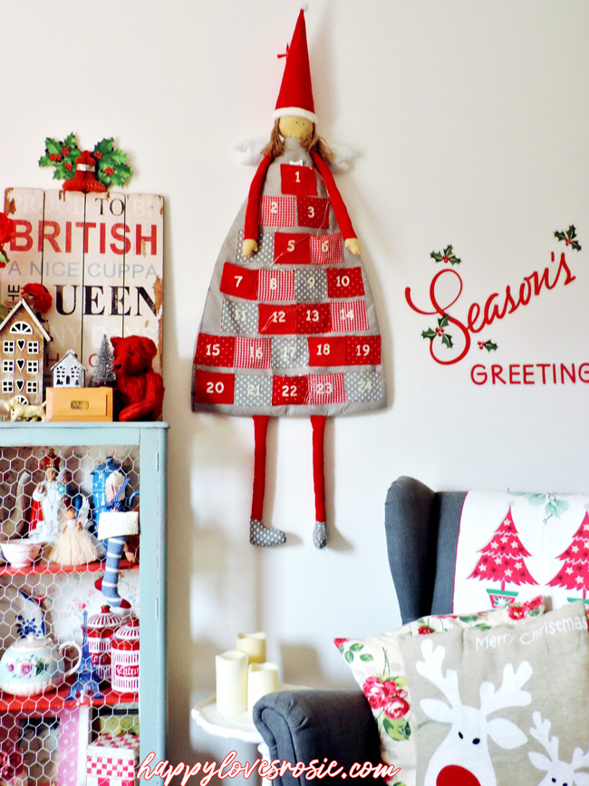 pretty vintage and modern Christmas decorations