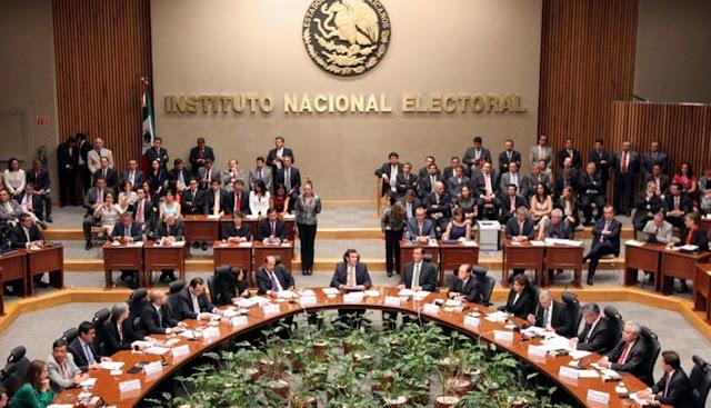 No Apoyar y Golpear al INE debilita la democracia, acaso quieren que regrese el autoritarismo: Córdova