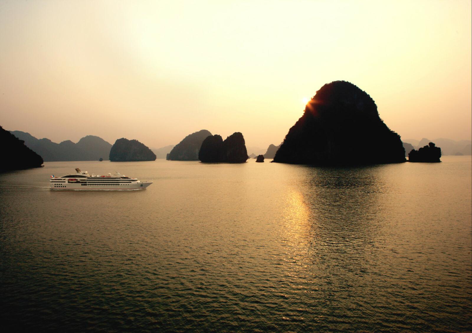 Cruise to Vietnam