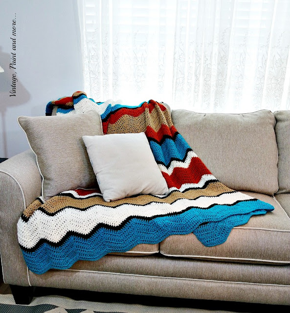 Vintage, Paint and more... ripple afghan done in varied stripe pattern
