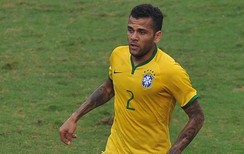 Hậu vệ Alves lỡ hẹn World Cup 2018 vì bị chấn thương khá nặng