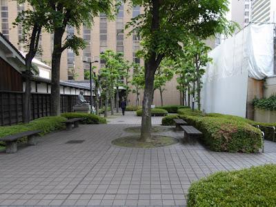 適塾の横(西側)にある公園