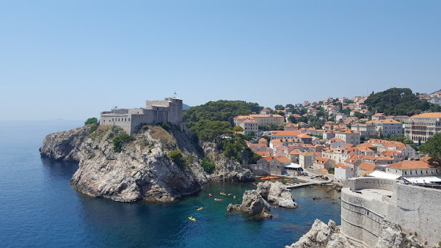 A romantic proposal in Dubrovnik whilst holidaying in beautiful Croatia