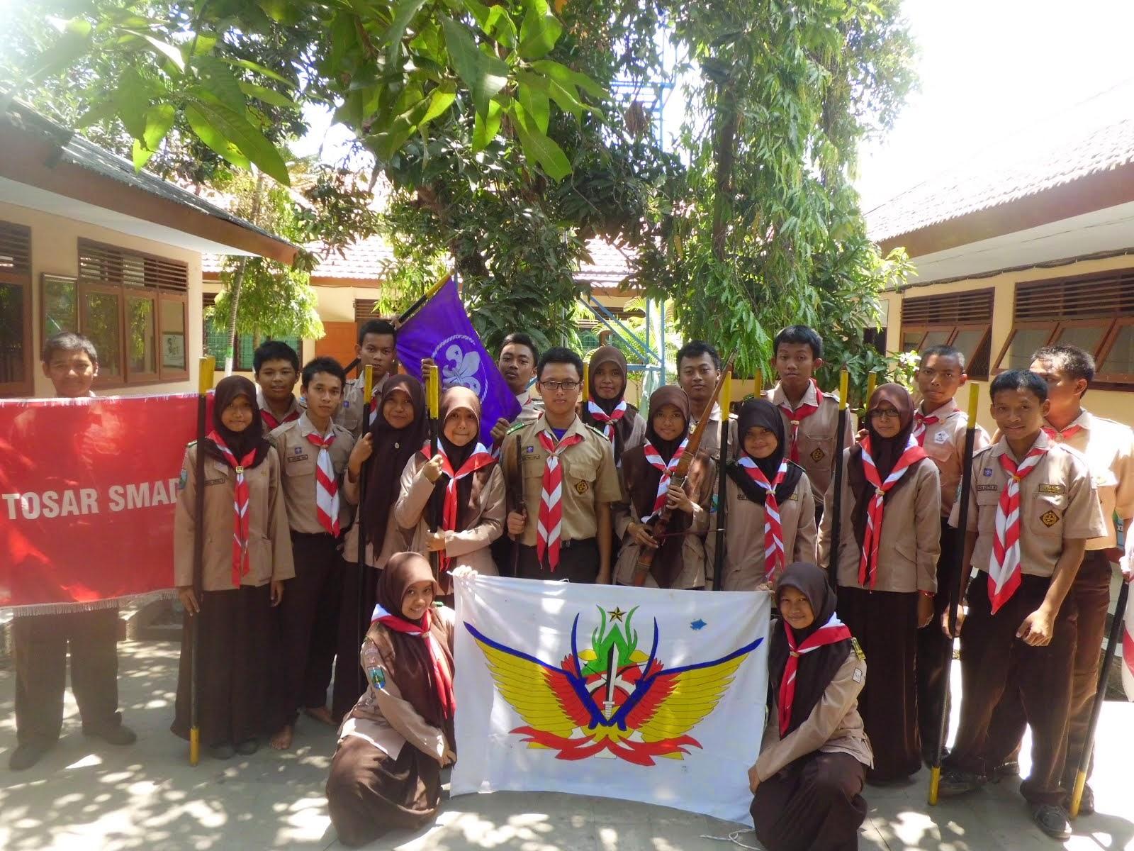Zshara Aurora Naskah Drama Bahasa Jawa Emang Kilangan Sandal
