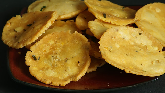 Thattai-Murukku-Recipe