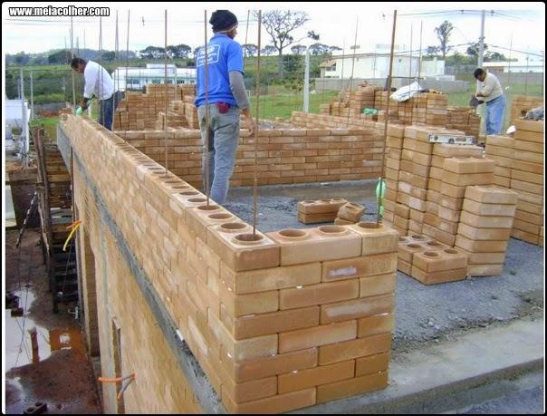 construção feita com tijolo de solo cimento
