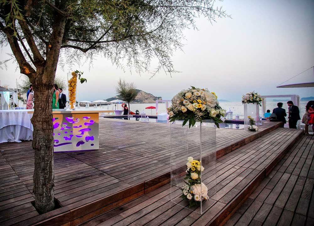 Matrimonio in spiaggia o matrimonio in piscina