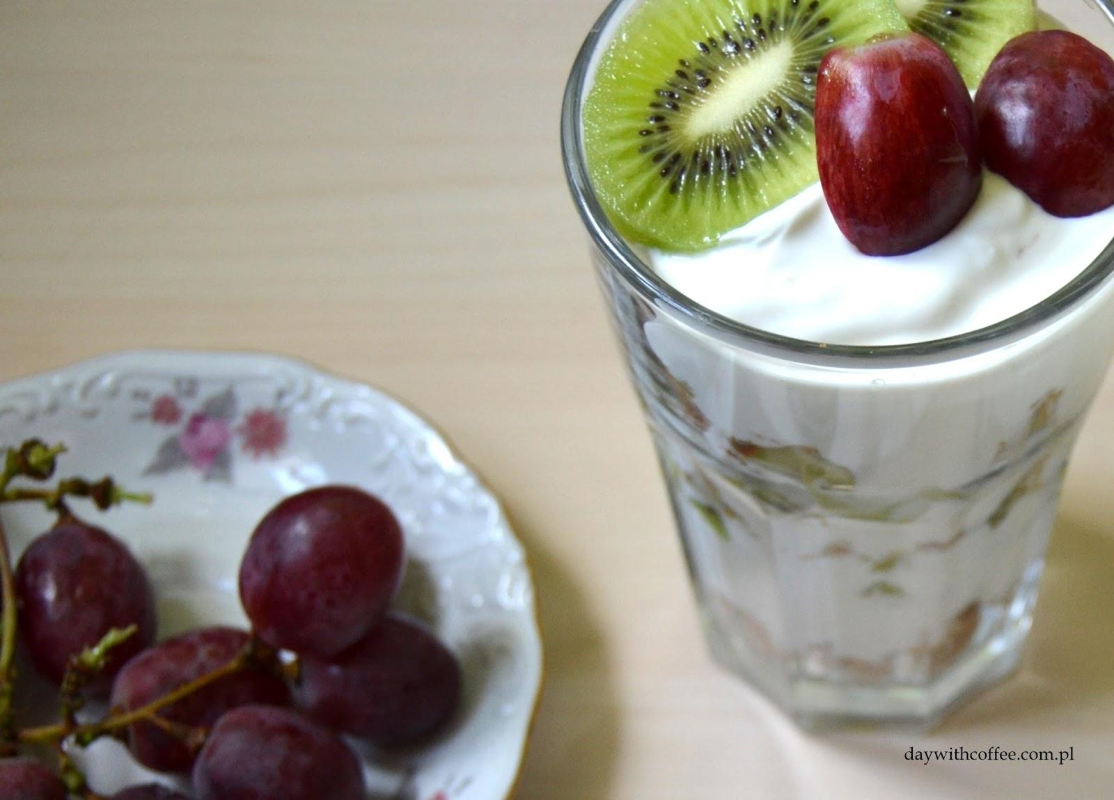 szybkie desery z owocami