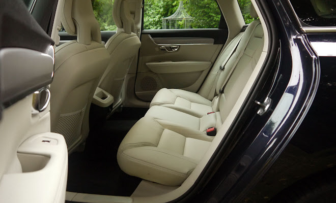 Volvo V90 rear seating