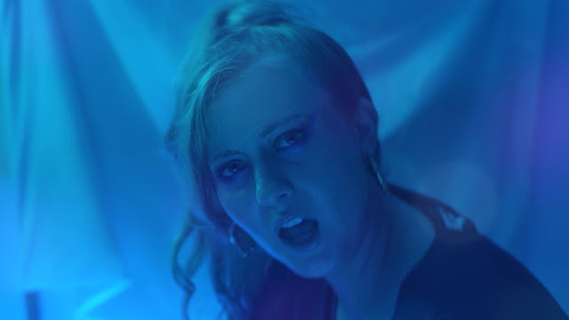 Serena Foster Premieres 'In This House' Music Video
