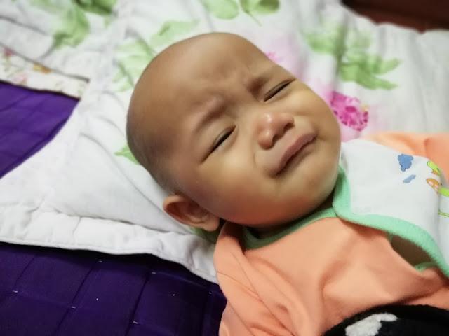 Baby Daim Naufal Pun Pandai Nak Hand Phone