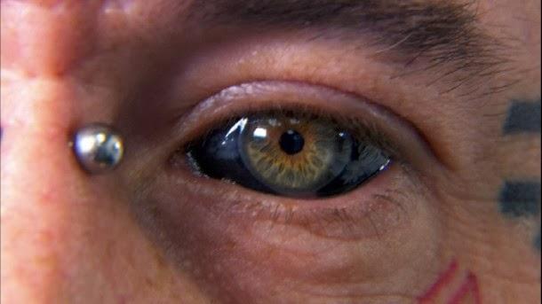 le tatouage des yeux, la nouvelle lubie des chanteurs jamaïcains
