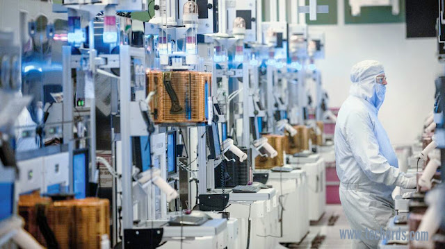 Announces Samsung New 11nm Process, Targets EUV Ramp in 2018
