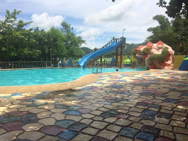 swimming pool at Villa Dulce Resort
