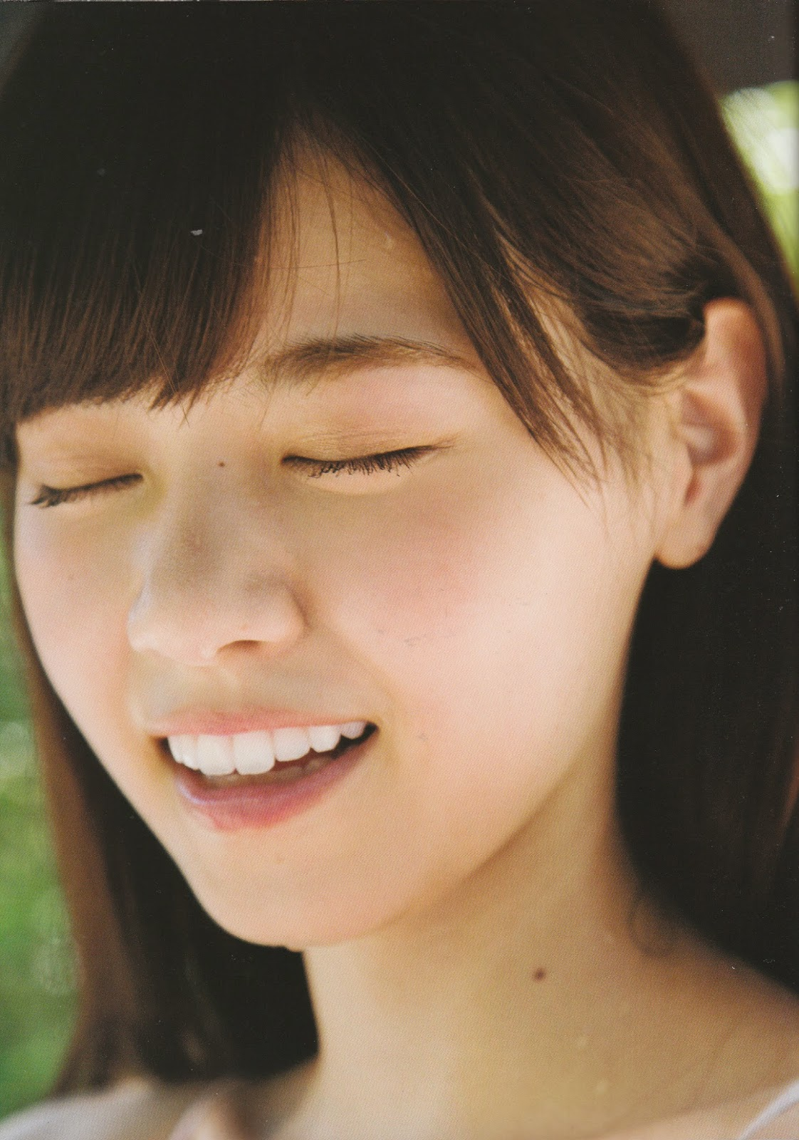 Nishino Nanase 1st Photobook - Fudangi | VOZ48 Mirror