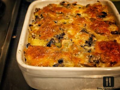 Cartofi și ciuperci, gratinate la cuptor