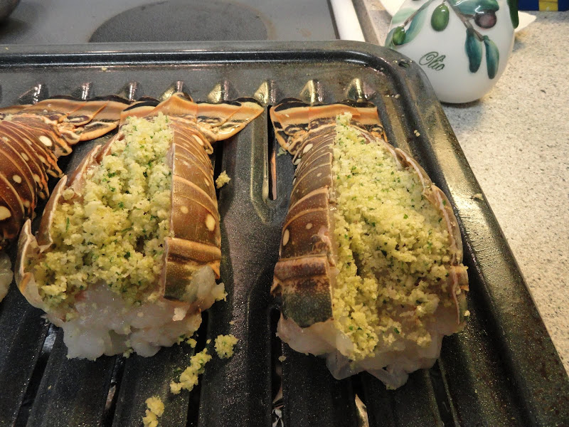 How do you make baked stuffed lobster tails
