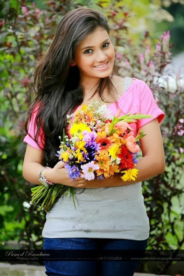 Shanudri Priyasad 2013 New Photos  Sl-Mirror -Categories -1366