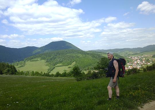 Przed zejściem na przełęcz Stráň, Kotrčiná Lúčka.