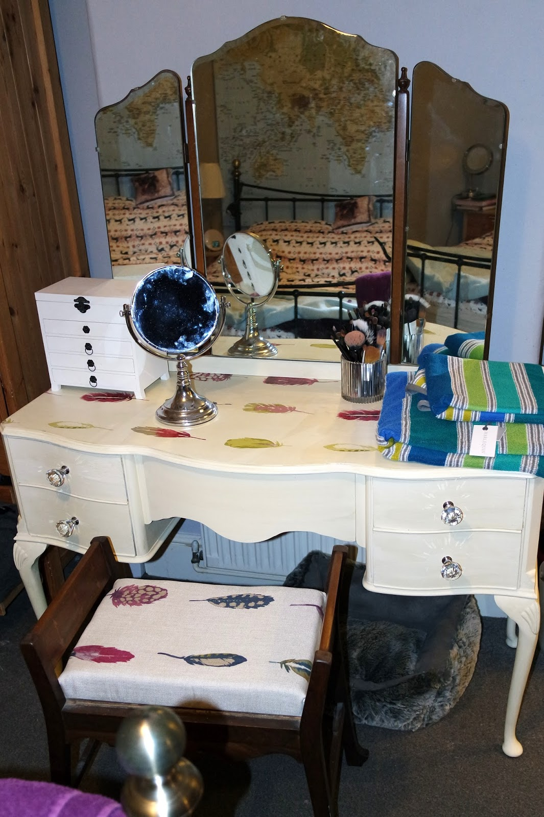Dressing Table DIY - wallpaper top with #CristyCraft ...