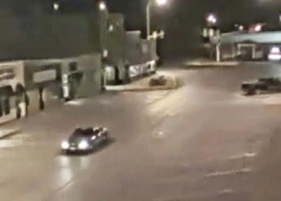 Απίστευτο! Μυστηριώδης λάμψη «εξαφανίζει» αυτοκίνητο! Βίντεο
