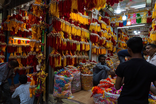 shops lanes shopping tassels old delhi bazaar india