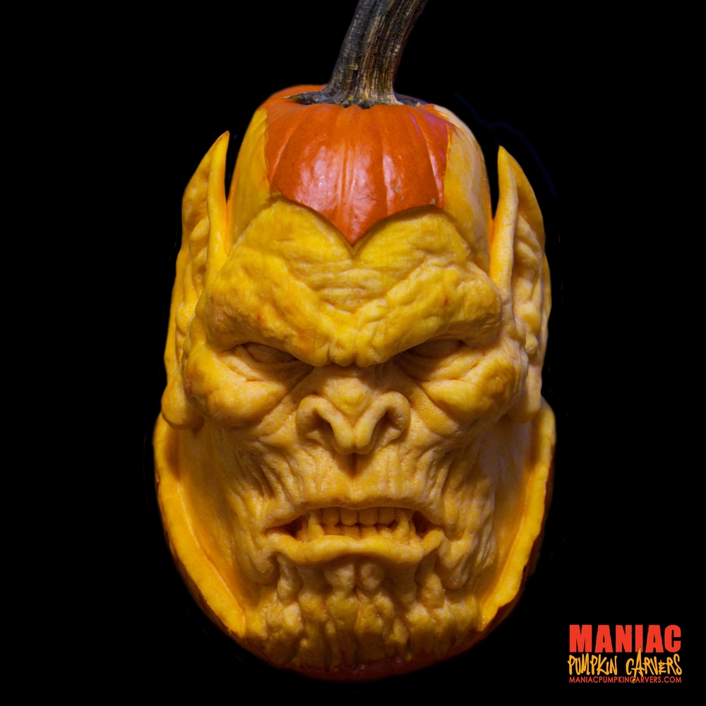 17-Skrull-Maniac-Pumpkin-Carvers-Introduce-Halloween-www-designstack-co