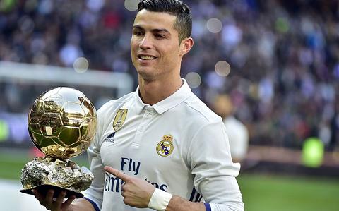 Ronaldo là một trong hai cầu thủ nhận lương cao nhất tại giải đấu hàng đầu của nước Tây Ban Nha