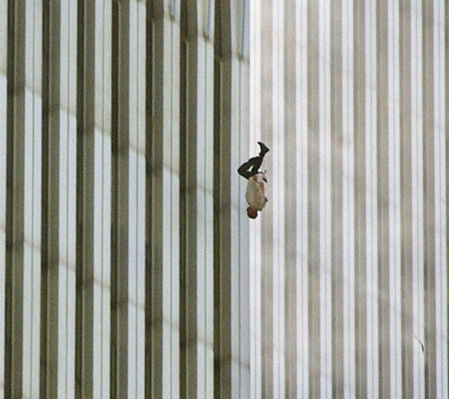 "30 of the most powerful images ever - Man Falling from the World Trade Center on 9/11. ""The Falling Man."""