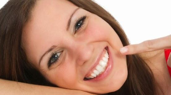 Gigi Kamu Kuning  Putihkan Dengan 3 Cara Ini
