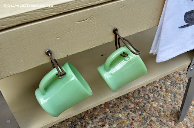jadeite coffee mugs vintage hooks