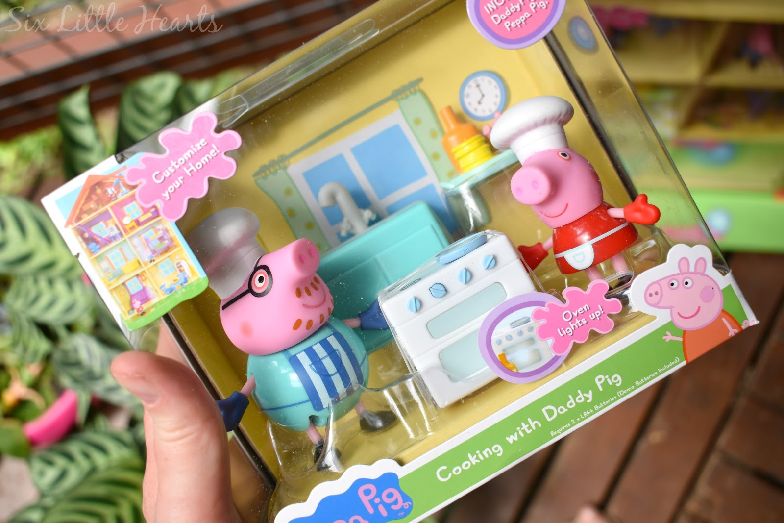 Six Little Hearts: Peppa Pig's Lights And Sounds Family Home