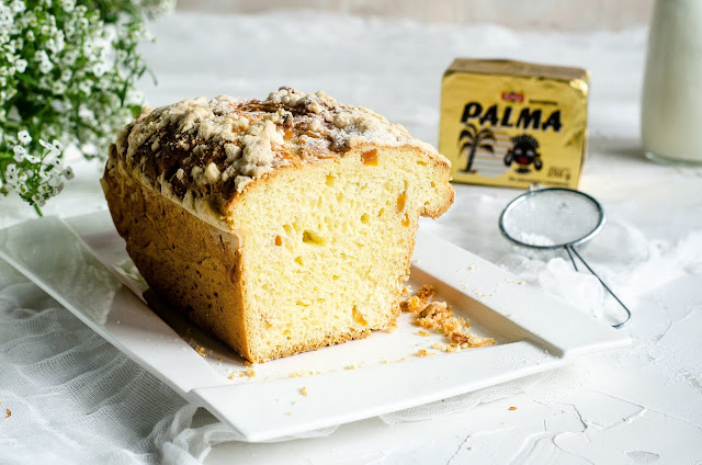 Tradycyjnie ciasto drożdżowe z kruszonką.