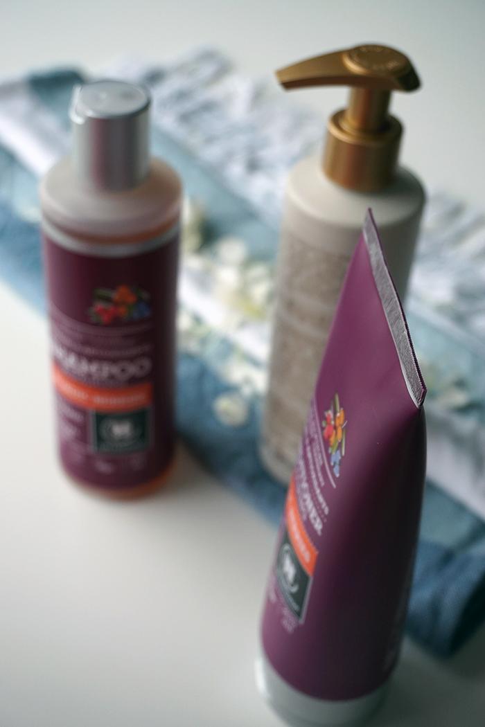 urtekram nordic berries morning haze shampoo hoitoaine vegaaninen luonnonkosmetiikka