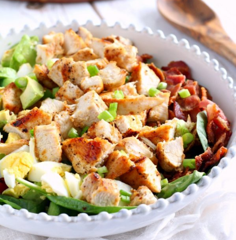 Paleo Chicken Cobb Salad with Buffalo Ranch #paleo #diet