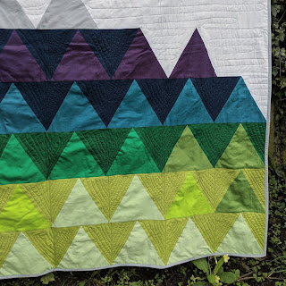 triangle solids quilt Forest Mountain free motion quilting