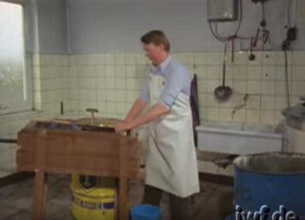 Μελισσοκομία: Βίντεο από μια άλλη εποχή
