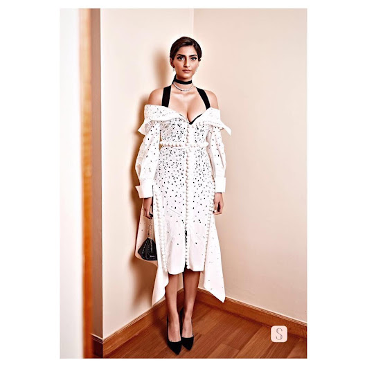 Bollywood Masti Blog: Sonam Kapoor Proenza Schouler White off shouldered shirt dress Black bodice diamonds from Aurelle, Judith Leiber clutch Manolo Blahnik pumps