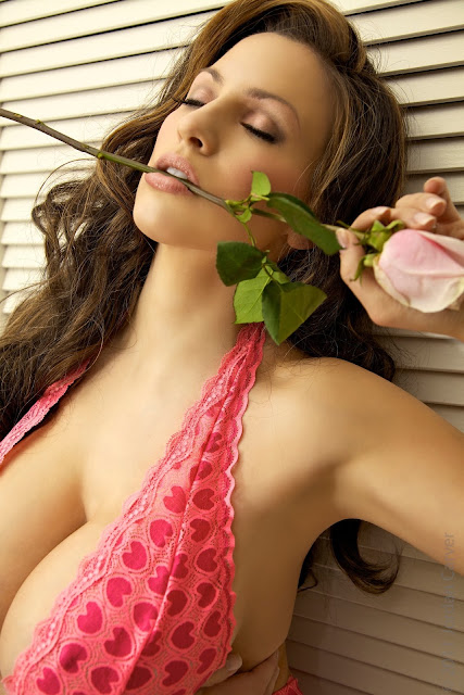 Jordan-Carver-Valentine-sexy-photo-shoot-HD-image-2