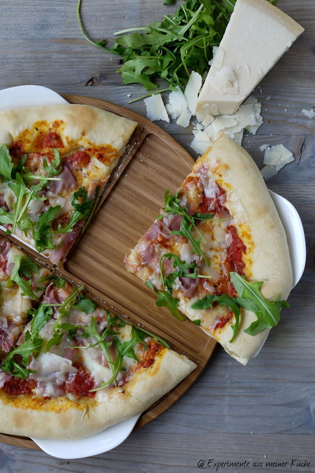Experimente aus meiner Küche: Pizza Rucola mit Parmaschinken ...