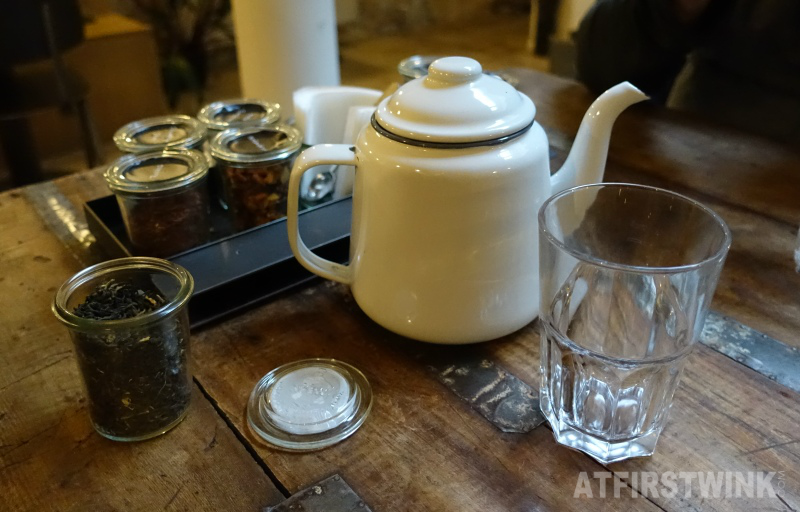 Yoghurt Barn unlimited tea slow tea tea bar Amsterdam 8 kinds