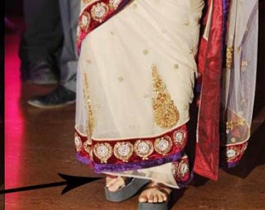 shoe-on-saree