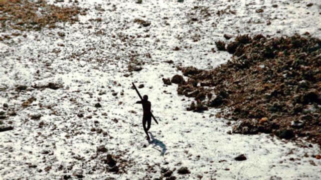Un misionero estadounidense es asesinado a flechazos por la tribu más aislada y peligrosa del mundo