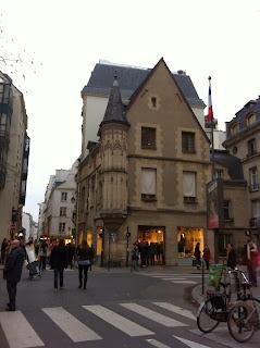 paris-tourelle-patrimoine